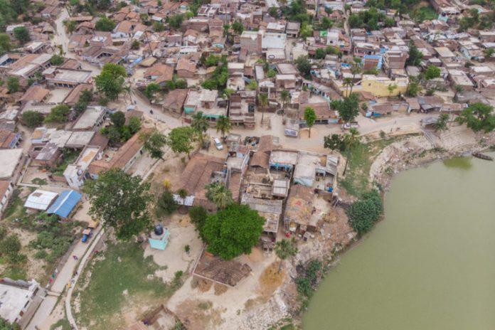 Bagmati river in Muzaffarpur. It flows across Bihar districts Darbhanga, Sitamarhi, Sheohar, Muzaffarpur and Khagaria. Photo by Metro Media/IWMI/Flickr.